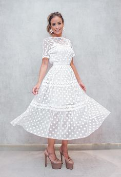 Modest Fashion, Fashion Dresses, Bridal Dresses, Wedding Gowns, Beautiful Summer Dresses, White Outfits, Outfit Posts, Cute Dresses, Ideias Fashion