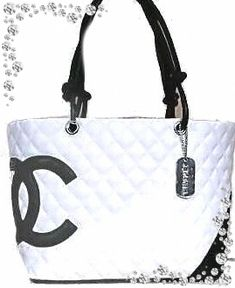 CHANEL SWEET BAG #blackdesignerpurse #Chanelhandbags Handbags Online, Handbags On Sale, Online Bags, Discount Handbags, Burberry Handbags, Chanel Handbags, Luxury Handbags, Delivery Bag, Hermes Bags