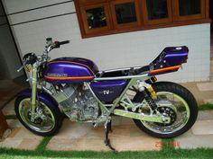 Work in Progress. The nicest Custom in the history of the planet. Kawasaki Motor, Planets, Biker, History, Board, Motorcycles, Men, Historia, Biking