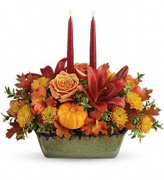 Country Oven Centerpiece - This fall favorite is two gifts in one, featuring a glorious autumnal bouquet hand-arranged in a gorgeous, hand-glazed stoneware serving dish. Fall Arrangements, Beautiful Flower Arrangements, Beautiful Flowers, Thanksgiving Flowers, Thanksgiving Centerpieces, Flowers For You, Fall Flowers, Red Flowers, Flower Centerpieces