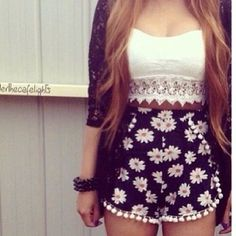 daisy pom pom shorts & crop top