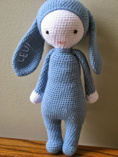 Blue Bunny - Free Amigurumi Crochet Pattern - English Version here: http://meo-my-crochet.blogspot.com.es/2015/03/bunny-pattern-perfected.html#uds-search-results