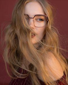 CAROLINE ABRAM sur Instagram: Terracotta and blush, sweet and delightful, meet X-Otique🍍 #carolineabram #eyewear #lunettes Eyewear, Blush, Glasses, Terracotta, Meet, Spring, Instagram, Fashion, Moda