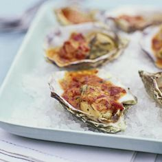 Grilled Oysters with Chipotle Glaze Grilled Oysters, Grilled Seafood, Seafood Appetizers, Grilled Fish, Seafood Dishes, Fish And Seafood, Seafood Menu, Spicy Dishes, Spicy Recipes