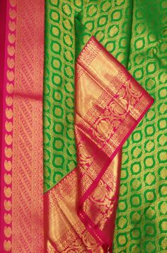 Green Handloom Kanjeevaram Pure Silk Saree    #kanjeevaramsilksaree# Pattu Sarees Wedding, Wedding Saree Blouse Designs, Pattu Saree Blouse Designs, Indian Bridal Sarees, Bridal Silk Saree, Organza Saree, Kanjivaram Sarees Silk, Soft Silk Sarees, Kanchipuram Saree