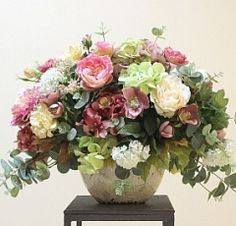 Композиция из искусственных цветов в винтажном кашпо Pretty Flowers, Silk Flowers, Dried Flowers, Spring Flowers, Fake Flowers, Pink Flower Arrangements, Artificial Floral Arrangements, Artificial Flowers, Deco Floral