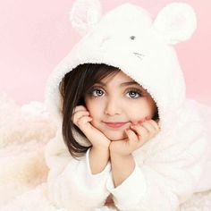 GetPics: Cute And Stylish Baby Girls Photos For dpz Cute Little Baby Girl, Cute Baby Girl Pictures, Beautiful Little Girls, Cute Girl Pic, Beautiful Babies, Cute Baby Girl Wallpaper, Stylish Baby Girls, Cute Babies Photography, Cute Baby Videos