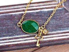 GRÜNE FEE echt Jade Unikat Kette Collier grün gold von Kleines Karma - Natur & Trend Schmuck, Ketten & Colliers, Uhren, Accessoires und Geschenke aus Berlin auf DaWanda.com
