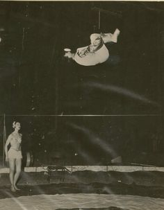 Tight Wire 1940 - is it Con Colleano?