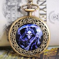 Exude Classic with this vintage pocket watch.   Material:Zinc Metal Alloy+Alloy  Size:75.5cm  long