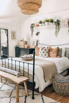 Bedroom Inspo, Bedroom Decor, Bedroom Ideas, Mawa Design, Decoration Inspiration, Decor Ideas, Aesthetic Rooms, Aesthetic Images, My New Room