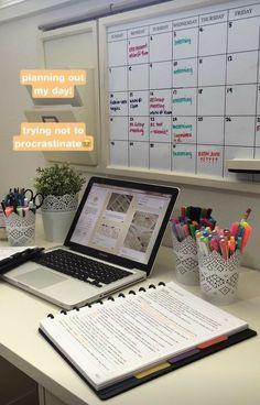 School Organization Notes, Study Organization, School Notes, Cubicle Organization, Bathroom Organization, Organizing Ideas, Studyblr, Salon Interior Design, Salon Design
