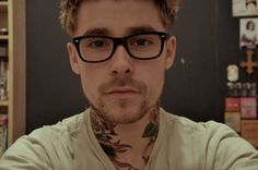 sexy tattoos men | glasses, guys with glasses, scruff, tattoo - inspiring picture on ...