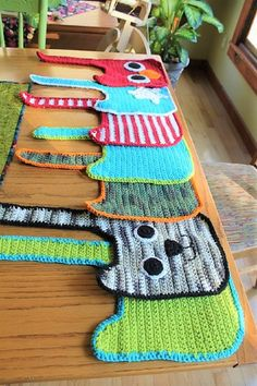 [Free Pattern] You'll Love Stitching These Speedy, Easy And Inexpensive Bibs