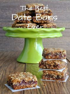 On special days have a wonderful dessert for after the family meal. The Best Date Bars Ever are two layers of a delectable oatmeal crust that are filled with a sweet date mixture then baked to vanilla/almond scented treat. Vegan Treats, Vegan Snacks, Vegan Desserts, Vegan Recipes, Dessert Recipes, Cooking Recipes, Recipes With Dates Healthy, Desserts With Dates, Cream Recipes