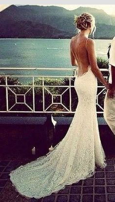 I absolutely adore the back of the dress.