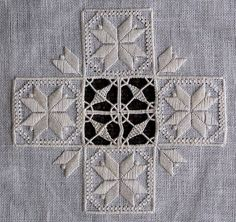 So pretty and love the pattern in the middle! Hardanger and drawn thread piece. Hardanger Embroidery, Learn Embroidery, Embroidery Needles, Cross Stitch Embroidery, Embroidery Patterns, Hand Embroidery, Marie Suarez, Drawn Thread, Bargello