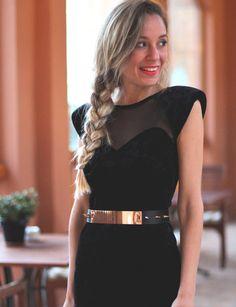 Si el look es perfecto, el maquillaje y el peinado ideales, sonríe y saldrás guapa.