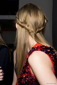 Midweek Pick-me Up: 3 Easy Half-Up Hairstyles to Fawn Over: Braided Half-up