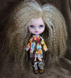 Custom Icy Doll like Blythe OOAK named Daphne by EmmyBlythe