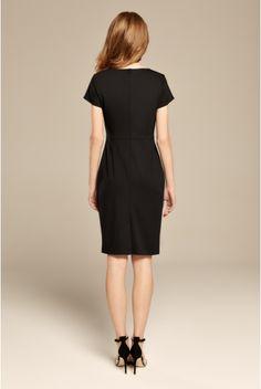 Czarna dopasowana sukienka z dzianiny