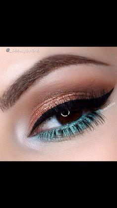 Turquoise & gold eyes