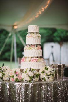 Tiered Buttercream Cake with Fresh Hydrangeas Chic Wedding, Perfect Wedding, Saffron Cake, Couture Cakes, Fashion Cakes, Wedding Cakes With Flowers, Take The Cake, Buttercream Cake, Lace Design