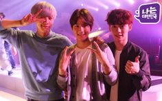"Baekhyun, Chanyeol, Chen - 150518 KBS twitter update: ""전무후무한 라인업에 톱 가수들도 셀카 삼매경에 빠진 그날 밤~★ 광복 70주년 국민대합창 #나는대한민국 주제곡 #우리만나는날 무료 음원과 뮤직비디오가 5월 27일 동시 공개된대요.""  Translation: ""The night that top artists fell into selcas from unique line-up~★ 70th Independence day national great choir #I Am Korea theme song #The Day We Meet music video and free sound source is releasing at the same day on May 27th.""  Credit: KBS."