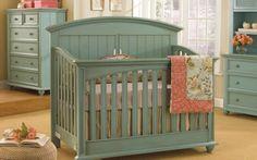 Babyzimmer Möbel grüne Minze Farbe Holz