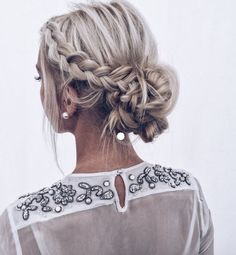hair updos Elegant Prom Updo Wedding Hairstyles for Medium length Hair and Long Hair; Trending wedding hairstyles in updos; Sporty Hairstyles, Everyday Hairstyles, Formal Hairstyles, Bride Hairstyles, Vintage Hairstyles, Prom Hairstyles For Medium Hair, Graduation Hairstyles, Bandana Hairstyles, Elegant Hairstyles