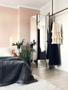 This Stylish Apartment is a Study in Eclectic Style - Nordic Design Pink Bedrooms, Girls Bedroom, Home Bedroom, Bedroom Decor, Bedroom Plants, Decor Room, Design Bedroom, Bedroom Ideas, Home Interior