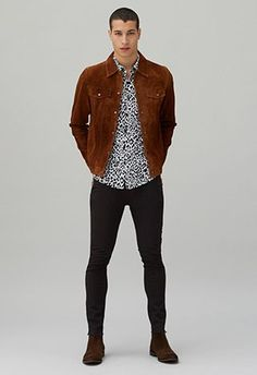 to wear: animal print ways to wear animal print asos menswearways to wear animal print asos menswear Asos Fashion, Urban Fashion, Fashion News, Fashion Styles, Men Fashion, Chelsea Boots Outfit, Stylish Men, Men Casual, Casual Outfits