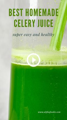 A healthy green juice recipe with a mixture of celery juice, apple, cucumber and ginger for a variety of wonderful health benefits. A great immune boosting and detoxing morning drink! Green Juice Recipes, Healthy Juice Recipes, Juicer Recipes, Healthy Juices, Healthy Smoothies, Healthy Drinks, Green Smoothies, Simple Green Juice Recipe, Juicing Recipes For Detox