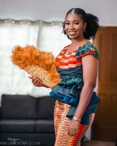 These are the sweetest 2019 kente styles you'll see, ladies! Kente is a beautiful fabric common among the Ghanaians. African Dresses For Kids, African Lace Dresses, Latest African Fashion Dresses, African Print Fashion, Ankara Fashion, Fashion Outfits, African Wedding Attire, African Attire, Slit And Kaba Styles