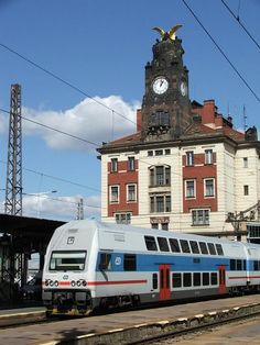Front of ČD double-deck electric multiple unit (EMU) series 471013 as regional train to Beroun in front of the clock tower of Praha main station, 18/09/2005. Photo by Zoltán Czifra from RailFanEurope.net Locomotive, S Bahn, Double Deck, Train Pictures, Speed Training, Central Europe, Train Tracks, Train Station, Public Transport