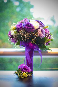 Ramo de novia morado con lisianthus. Purple bride bouquet with lisianthus. #Sixsens #BodaMerida #BodaYucatan #Weddingmexico