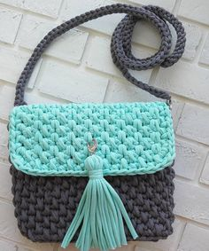 Marvelous Crochet A Shell Stitch Purse Bag Ideas. Wonderful Crochet A Shell Stitch Purse Bag Ideas. Crotchet Bags, Bag Crochet, Diy Crochet And Knitting, Crochet Shell Stitch, Crochet Clutch, Crochet Basket Pattern, Crochet Handbags, Crochet Purses, Knitted Bags