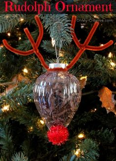 *With directions* - This cute DIY Rudolph ornament is a great craft idea for kids, or as a family activity this holiday season. Easy to make, this fun decoration would be adorable hanging from the Christmas tree, or perhaps as a gift topper. Christmas Ornament Crafts, Christmas Crafts For Kids, Christmas Projects, Holiday Crafts, Christmas Holidays, Christmas Gifts, Kids Ornament, Preschool Christmas, Christmas Tree