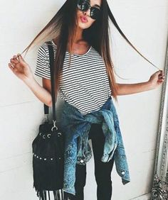 Find and save up to date fashion trends and the latest style inspiration, ootd photography and outfit looks Look Fashion, Teen Fashion, Autumn Fashion, Fashion Outfits, Fashion Trends, Spring Fashion, Ootd Spring, Grunge Fashion, Fashion Clothes