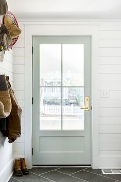 Front door ideas and design to add curb appeal for new house, renovation, new build, or remodel: Benjamin Moore Gray Owl door with brass door entry set Style At Home, Home Interior, Interior Design, Simple Interior, French Interior, Ikea Inspiration, Design Inspiration, Back Doors, Gray Front Doors
