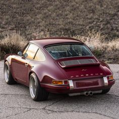 This Customized Singer Porsche 911 in Oxblood is Simply Stunning… Porsche Classic, Classic Cars, Ferdinand Porsche, Porsche Autos, Porsche Cars, Porsche 356, Singer Porsche, Singer 911, Vintage Porsche