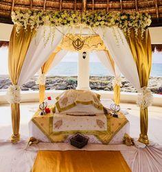 The guru granth sahib 🙏🙏 Guru Granth Sahib Quotes, Sri Guru Granth Sahib, Guru Nanak Ji, Nanak Dev Ji, Sikh Quotes, Gurbani Quotes, Desi Wedding Decor, Wedding Decorations, Guru Tegh Bahadur