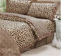 Leopard Bed Set Queen - Home décor is something people will change. It's simpler to change the look and feel of a space b Cheetah Print Bedroom, Leopard Print Bedding, Animal Print Bedding, Animal Print Decor, Animal Prints, Leopard Prints, Leopard Print Bathroom, Animal Print Bathroom, Cotton Bedding Sets
