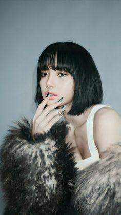Jennie Lisa, Blackpink Lisa, South Korean Girls, Korean Girl Groups, Pink Tumblr Aesthetic, Aesthetic Girl, Blackpink Members, Lisa Blackpink Wallpaper, Ideal Girl