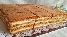 Évekig kerestem ezt a receptet!!! Ez volt gyermekkorom kedvence.Ez a süti tényleg nagyon finom ésmost próbálom a családot távol tartani a... Honey Recipes, My Recipes, Sweet Recipes, Cake Recipes, Dessert Recipes, Hungarian Desserts, Hungarian Cake, Hungarian Recipes, Ital Food