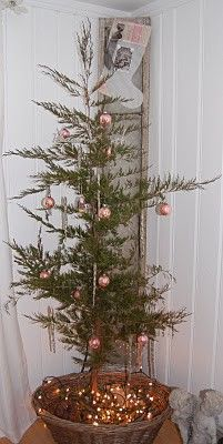 shabby chic Christmas tree shabby-chic