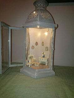 A little dolls home, with furniture made mostly from cardboard and beads. Veni Creator Spiritus : Et dukkehjem. Light Chain, Doll Home, Spiritus, My Living Room, Bergen, Furniture Making, Four Square, The Creator, Table Lamp