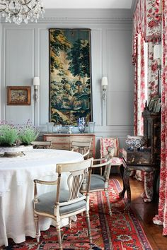 White Dining Chairs with Grey Walls - Dining Room Ideas (houseandgarden.co.uk)