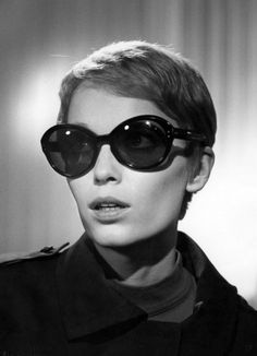 Mia Farrow 60s My kind of sunglasses =) SHE WAS MARRIED TO FRANK SINATRA THEN WOODY!!  THIS GIRL HAS BALLS OF STEEL!!