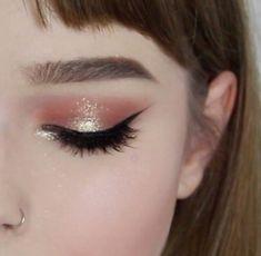 Resultado de imagem para makeup glitter highlight